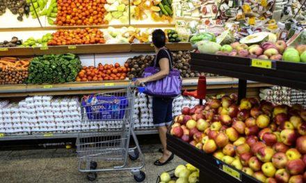 Bajó 0.2% la confianza de los consumidores