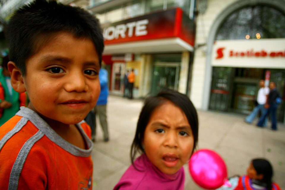 Derechos de la niñez: nunca dejarlos atrás