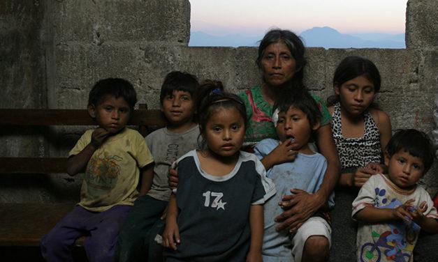 Pobreza: 97.69 millones de mexicanos la pasan muy mal